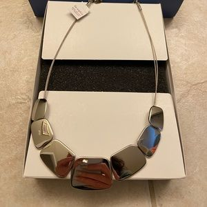 SILVER. Beautiful statement necklace.